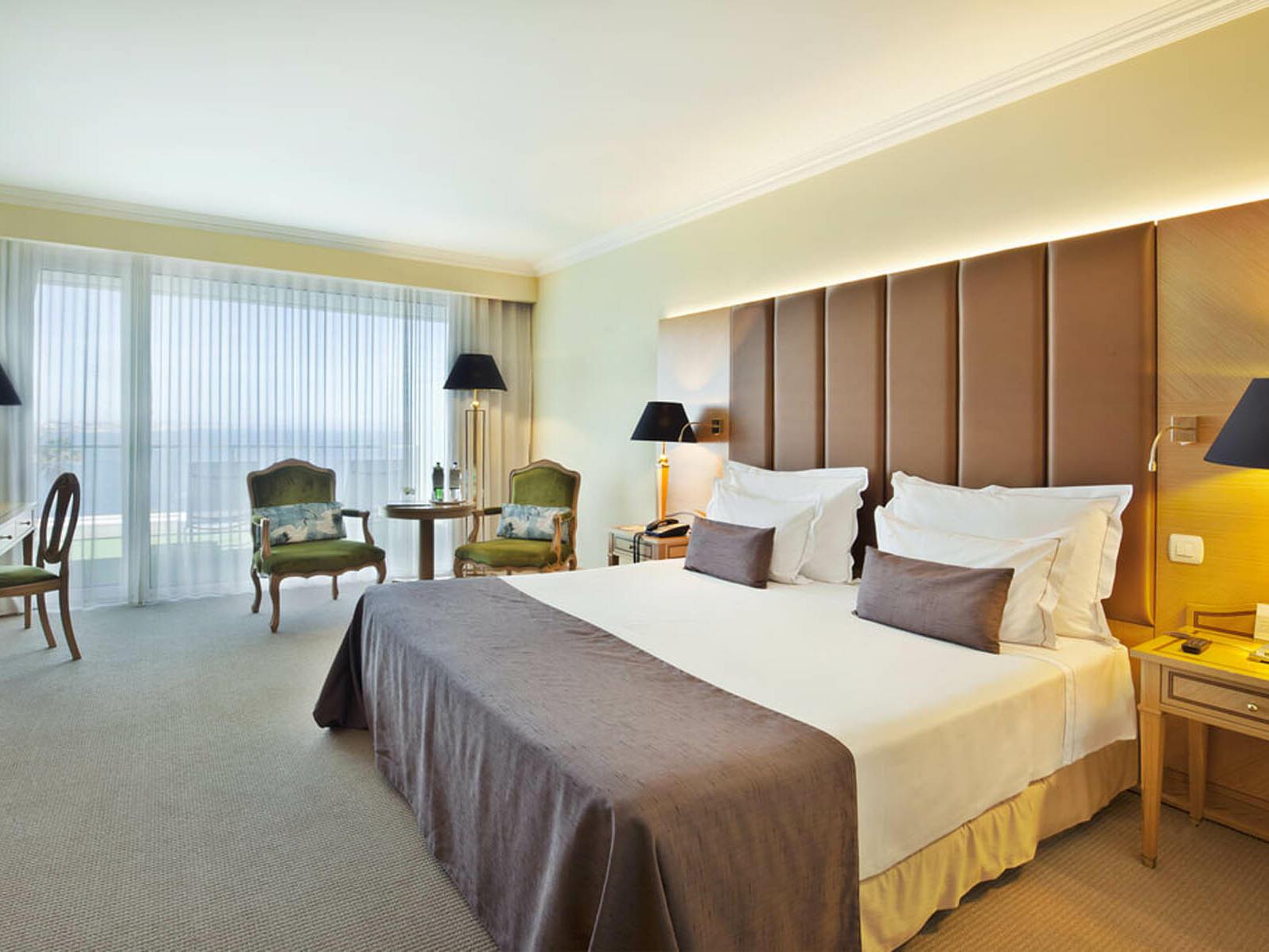 Cama king size numa suite tranquila - Hotel Cascais Miragem Health and Spa