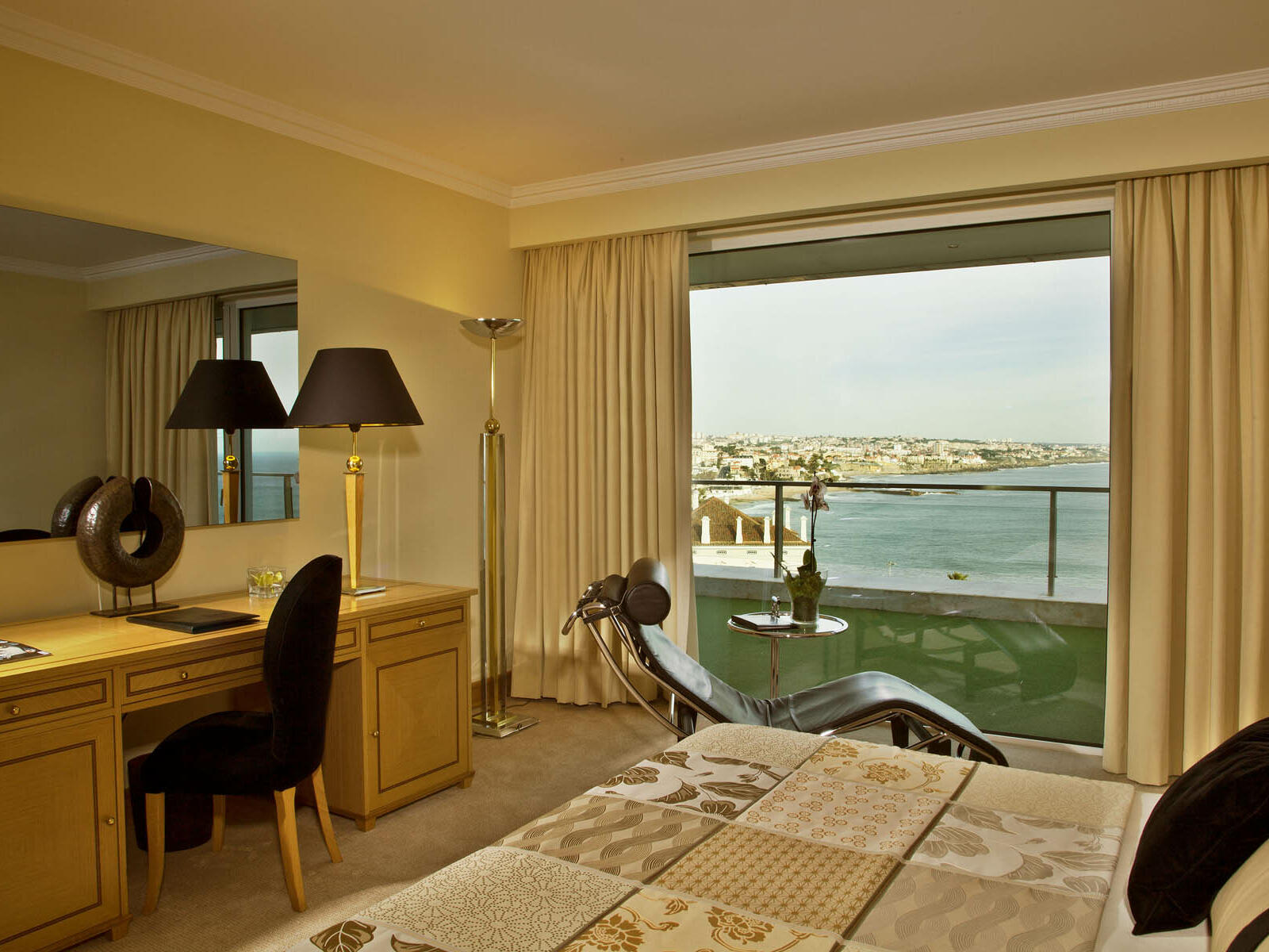 Suite Deluxe en el Hotel Cascais Miragem Health and Spa
