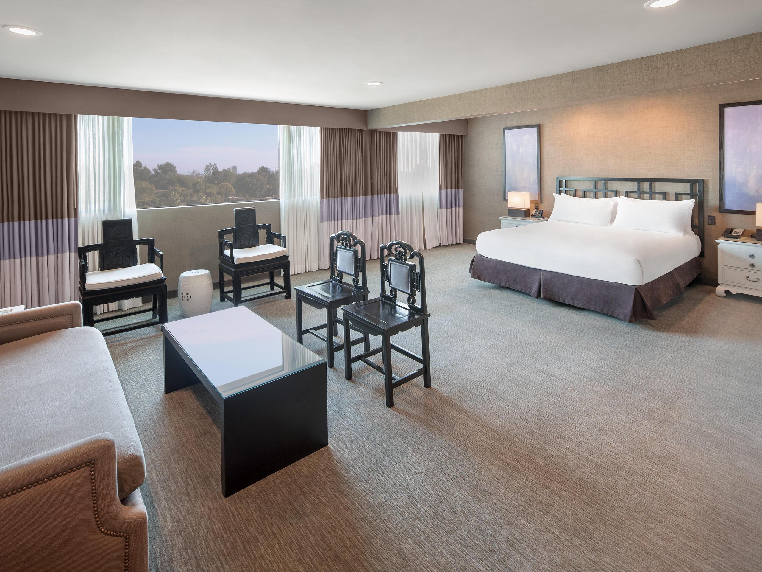 Luxe Sunset Vista Suite