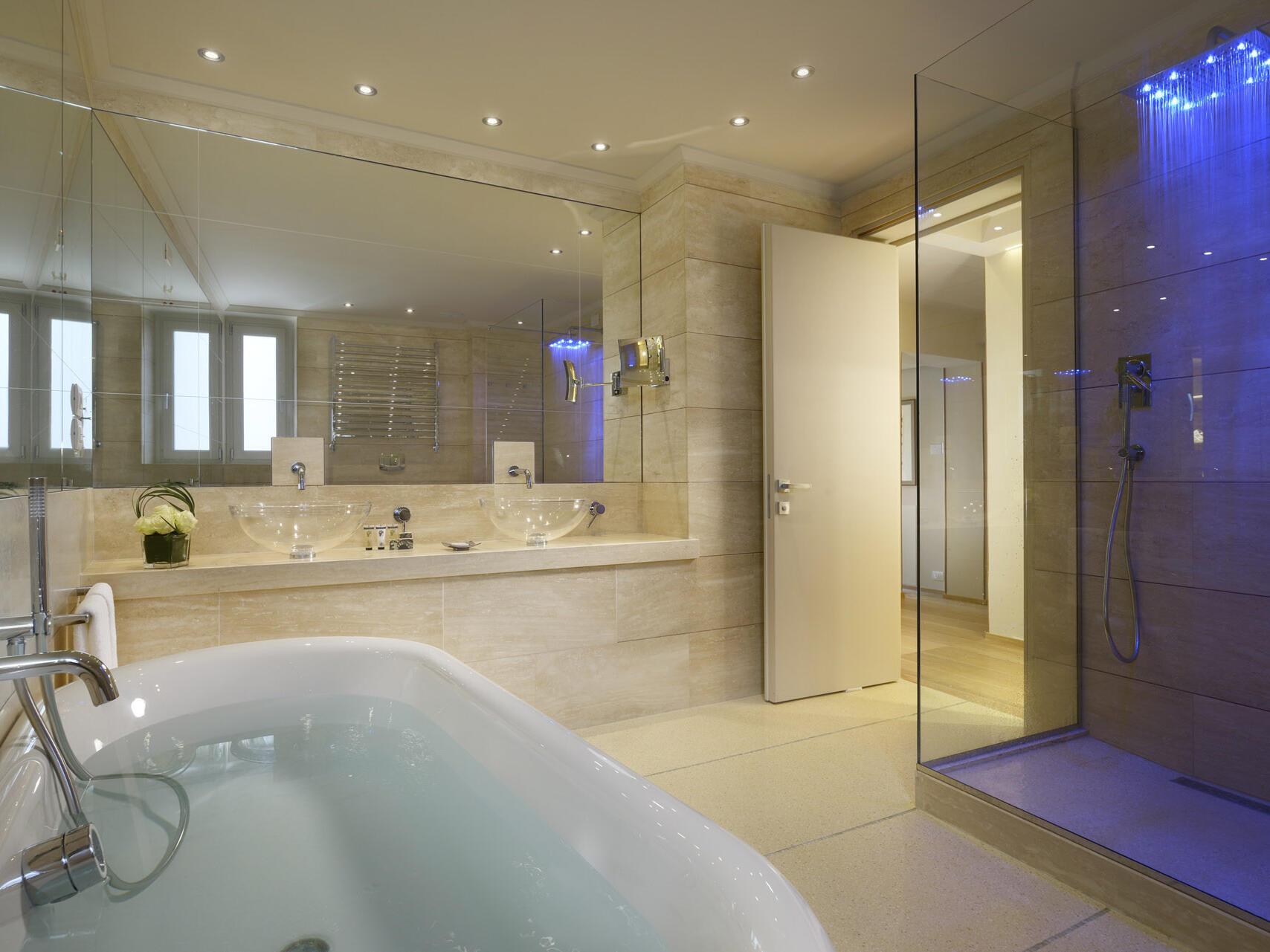 Luxury bathroom at Grand Hotel Minerva