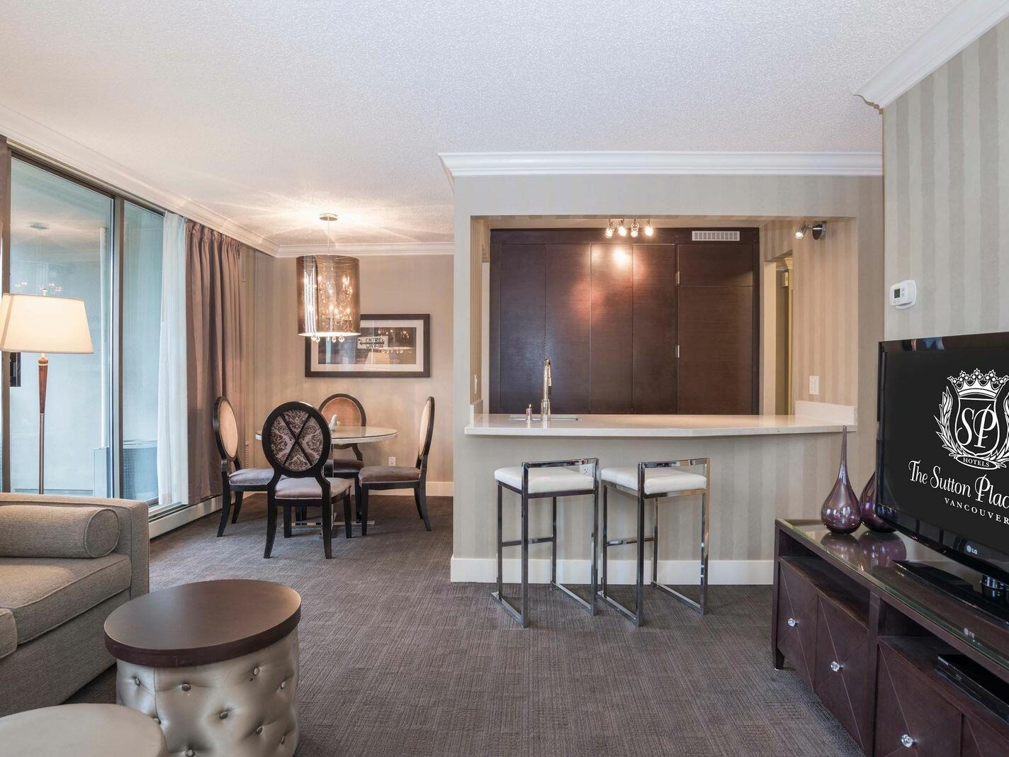 Two BedroomDeluxe Suite - 1 King & 1 Queen  La Grande Résidence