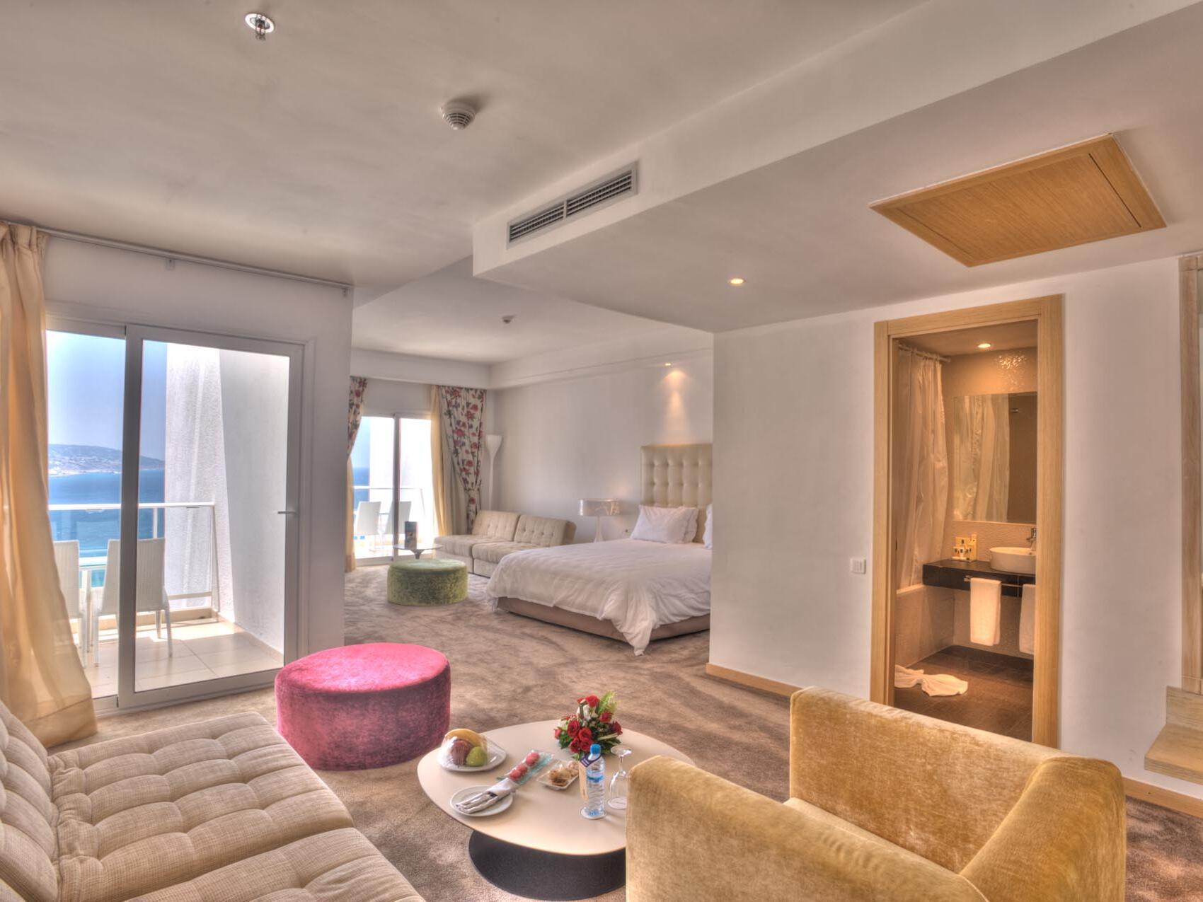 Comfy Bedroom - Farah Tanger Hotel