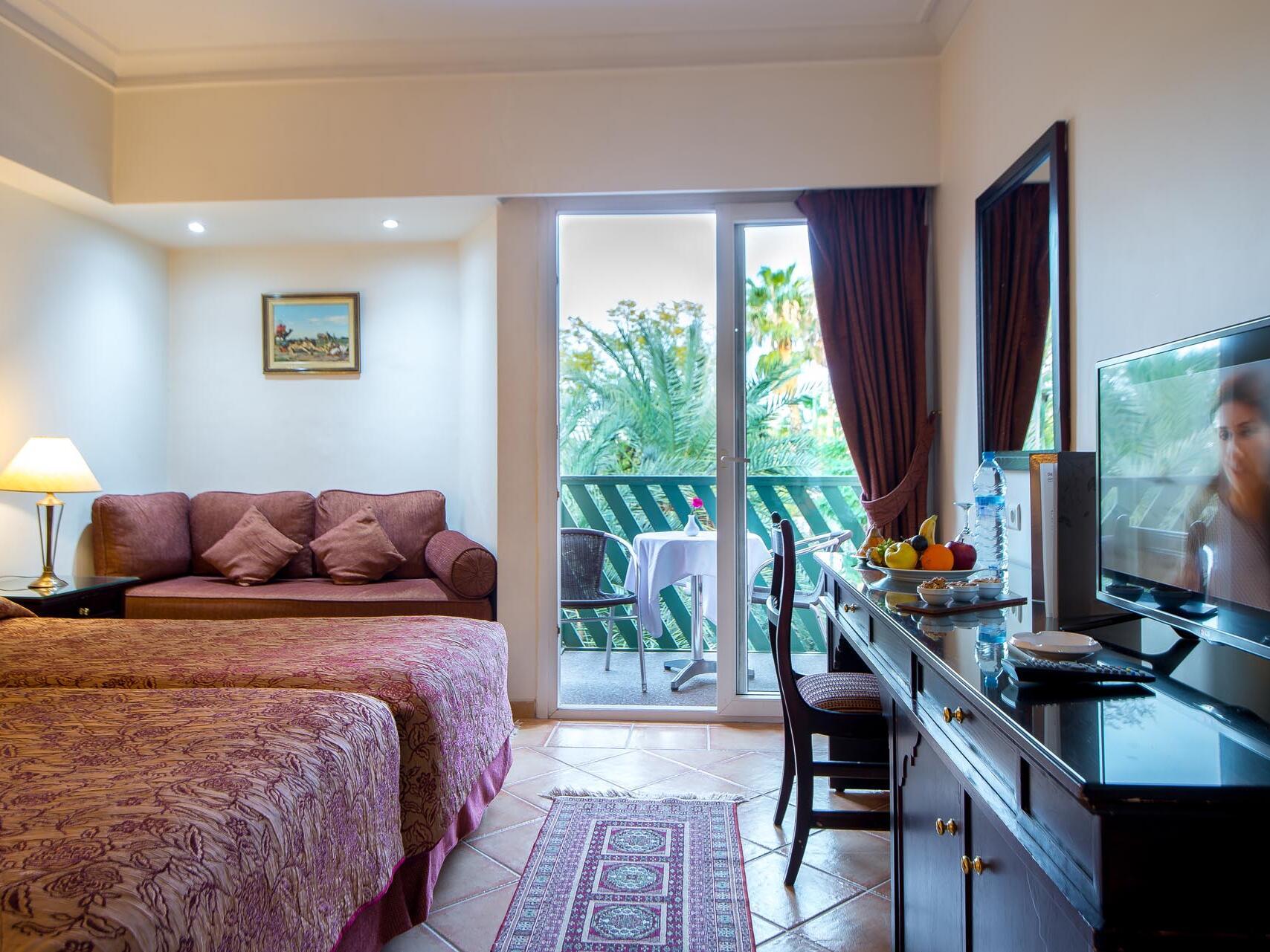 Large bedroom with Balcony - Farah Marrakech Hotel