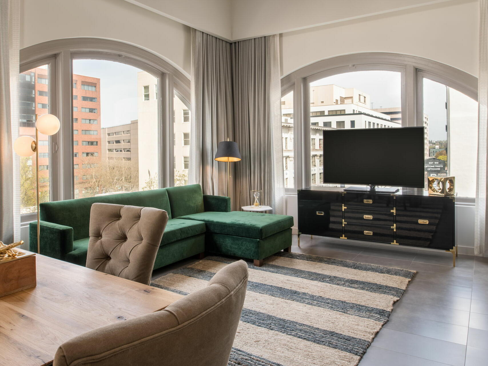 Hi-Lo hotel room living area