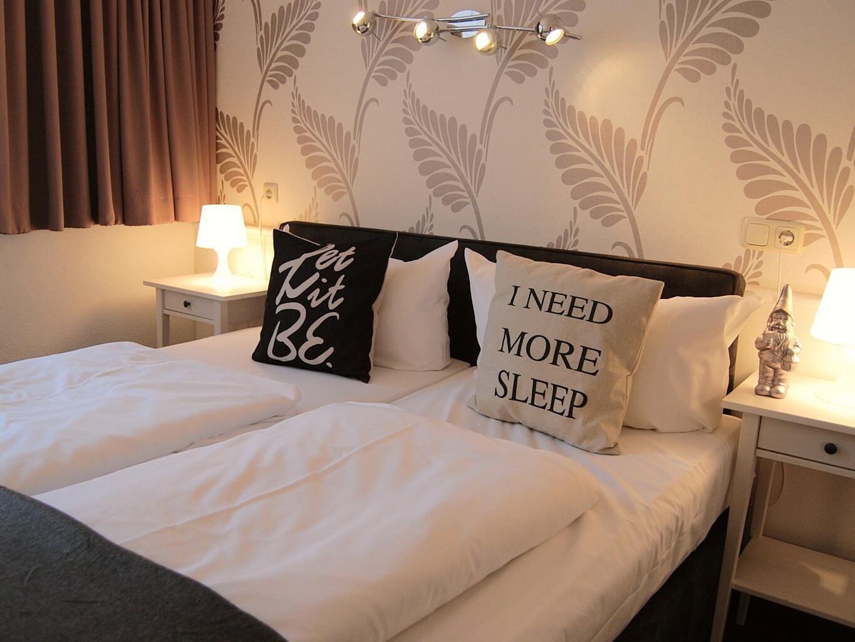 Double bed - RHK Hotel Krone Aachen