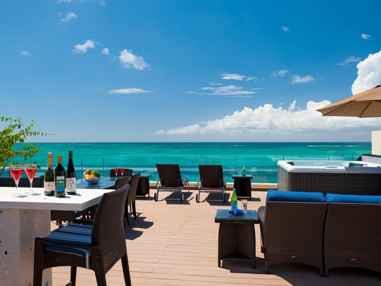 Exterior view of 1 Bedroom Oceanfront Penthouse with Roof Terrace at Windsong Resort On The Reef