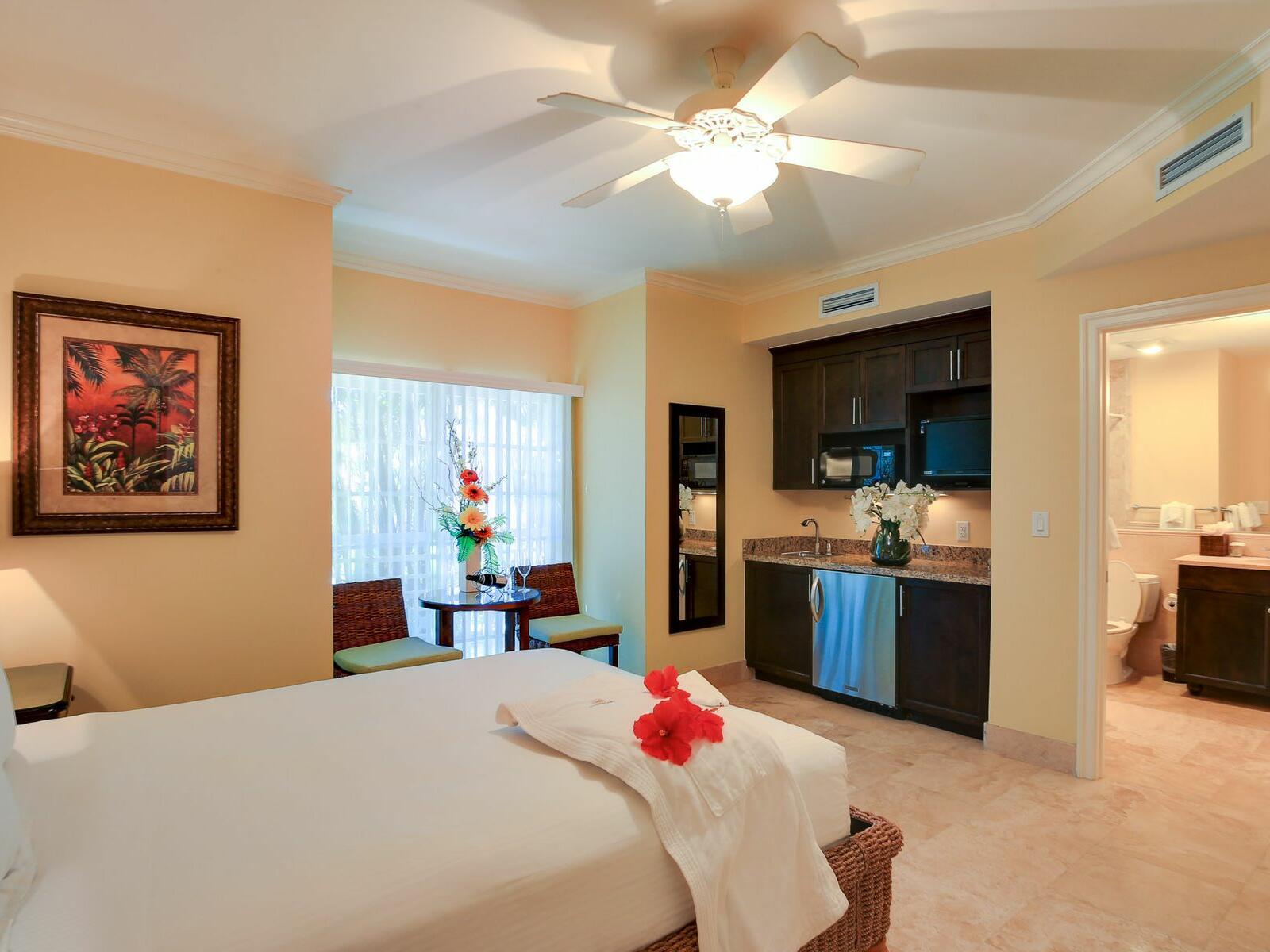 Bedroom of Studio at Windsong Resort On The Reef