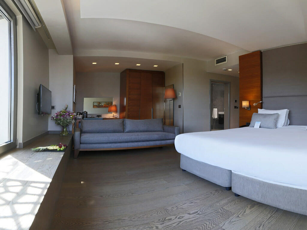 Standard Corner Room at Hotel Arcadia Blue Istanbul