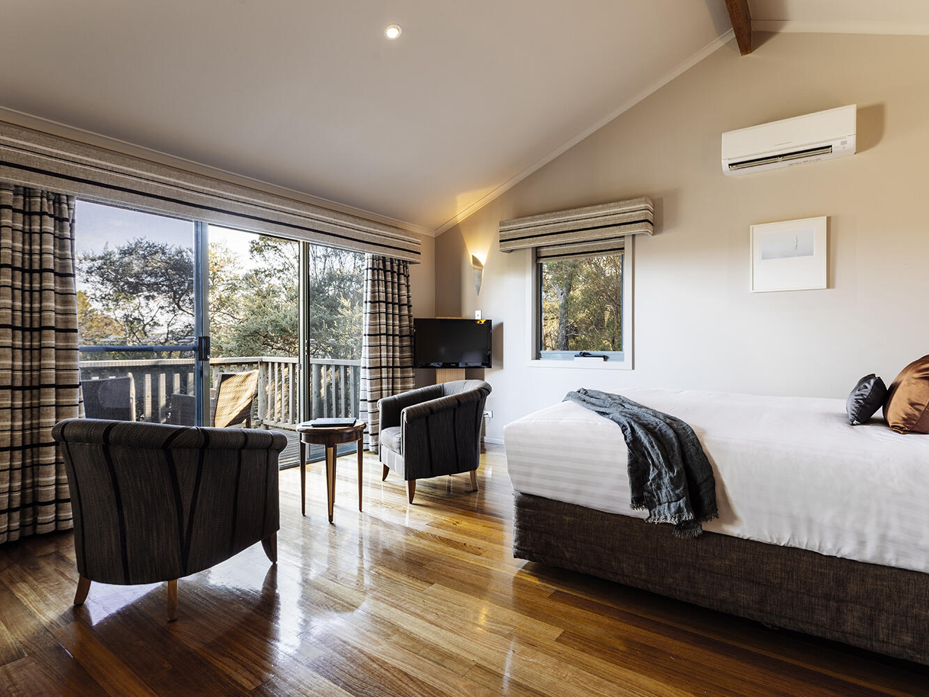 Premier Spa Cabin with king size bed at Freycinet Lodge
