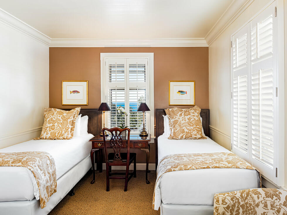 Standard Twin Room with two beds at Pine Inn