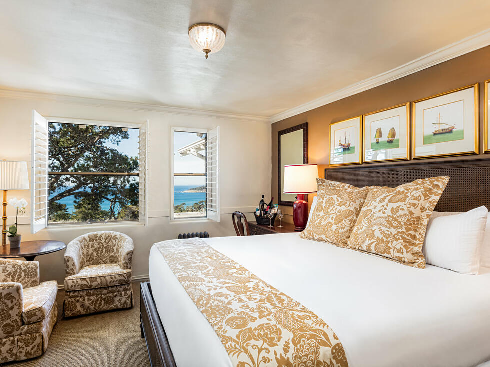 Ocean View King Room with one bed at Pine Inn