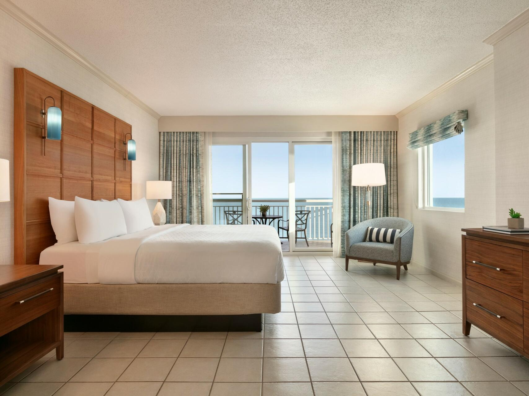One King Bed Suite Oceanfront at Holiday Inn Hotel