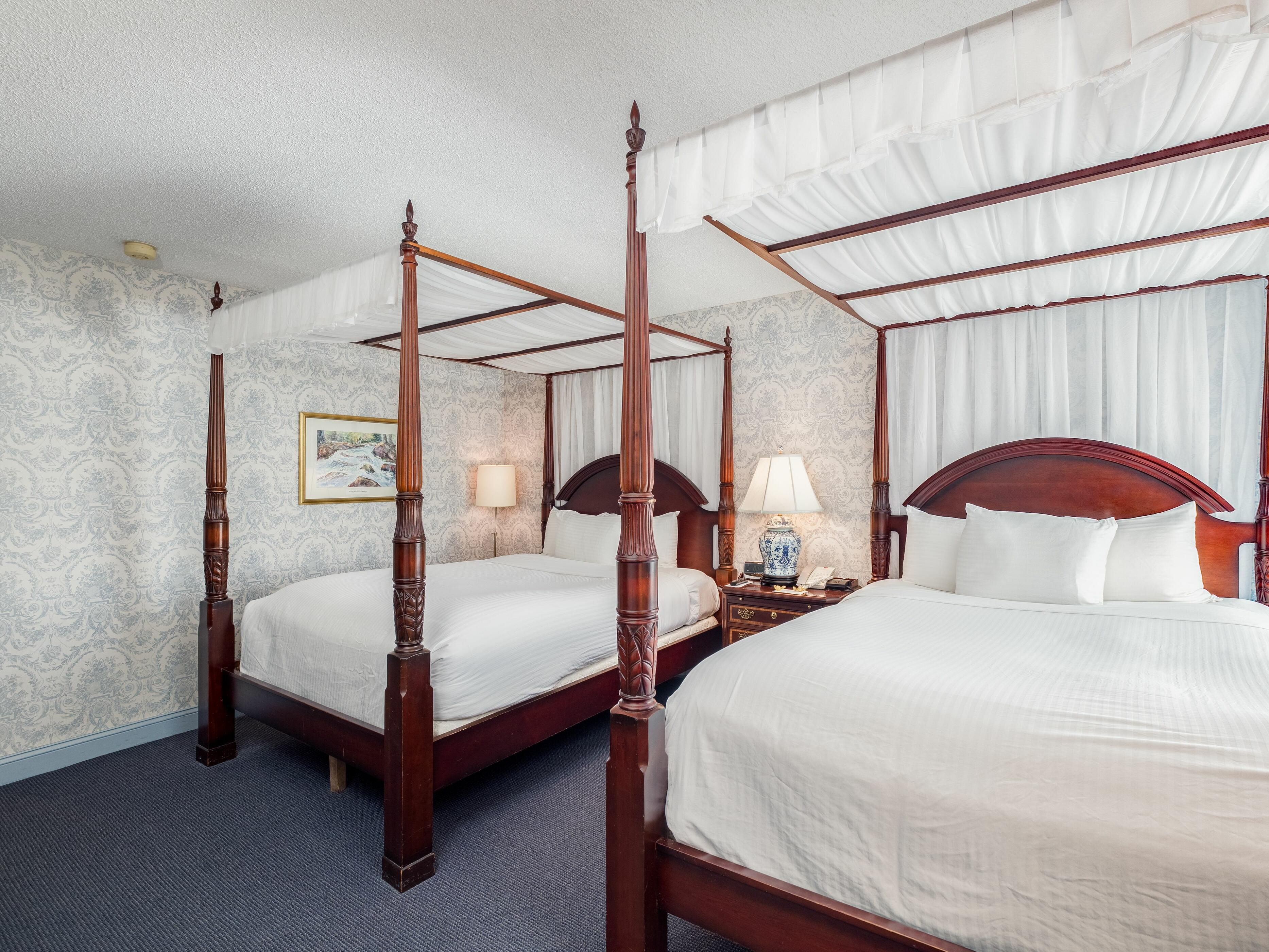 View of Deluxe Room with Two Beds at Farmington Inn