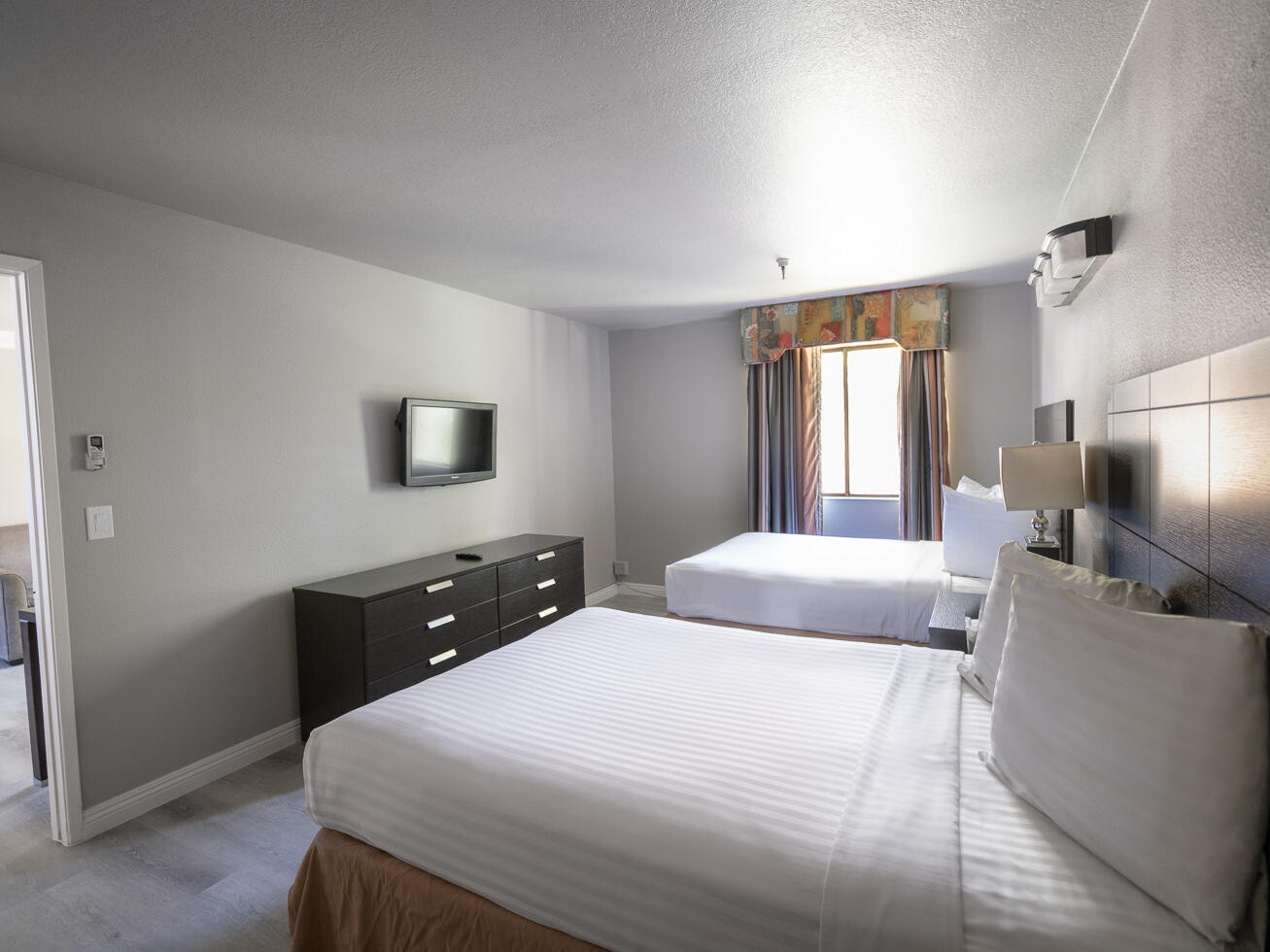 Extended Stay 2 Double Beds at the Alexis Park Resort