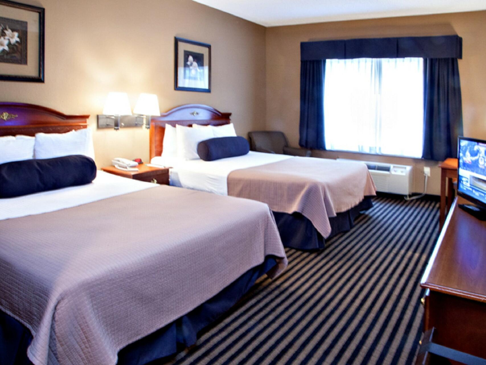 Deluxe Room with two beds at Mountain Inn & Suites