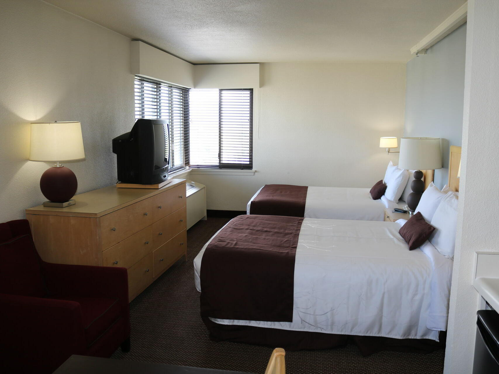 Double Queen Accessible Room with two beds at Inlet Tower