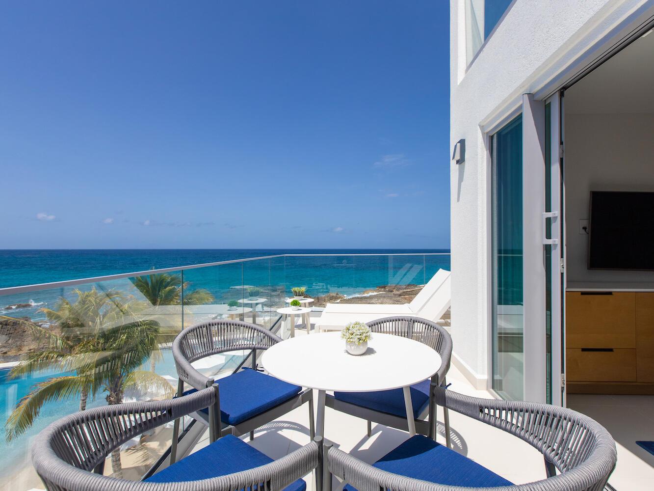 Junior Suite Oceanfront Terrace