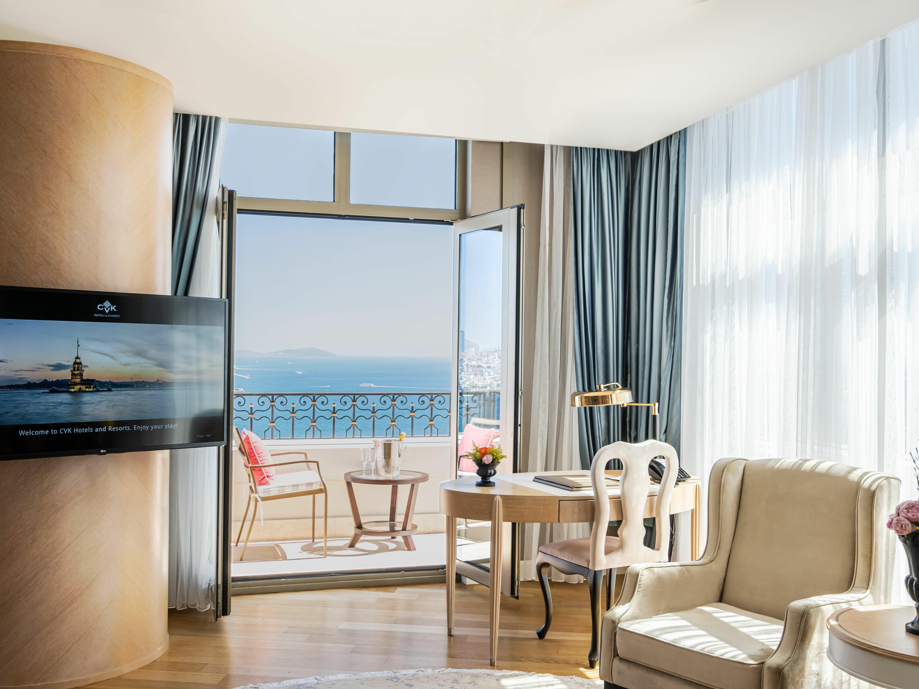 Corner Bosphorus Terrace Suite CVK Park Bosphorus Hotel İstanbul