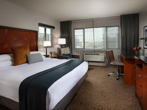 Executive King Parkview Room with one bed at Paramount Hotel Portland