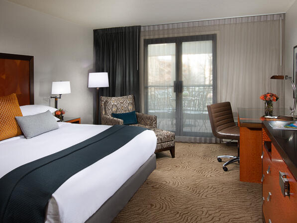 Paramount King Parkview guestroom with private patio at The Paramount Hotel