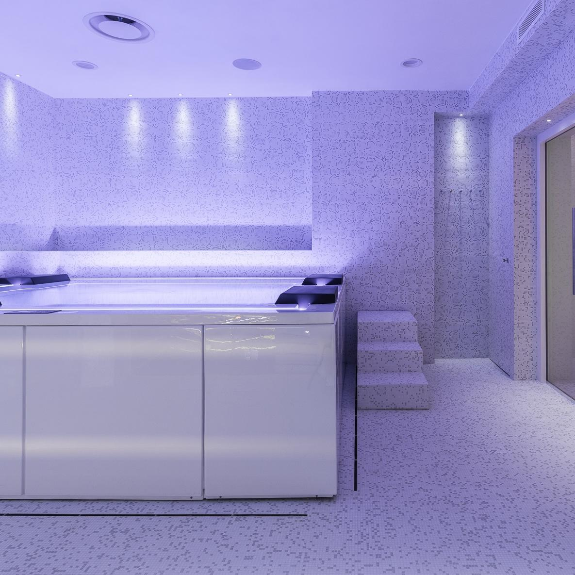 Indoor whirpool SPa Cavaglià
