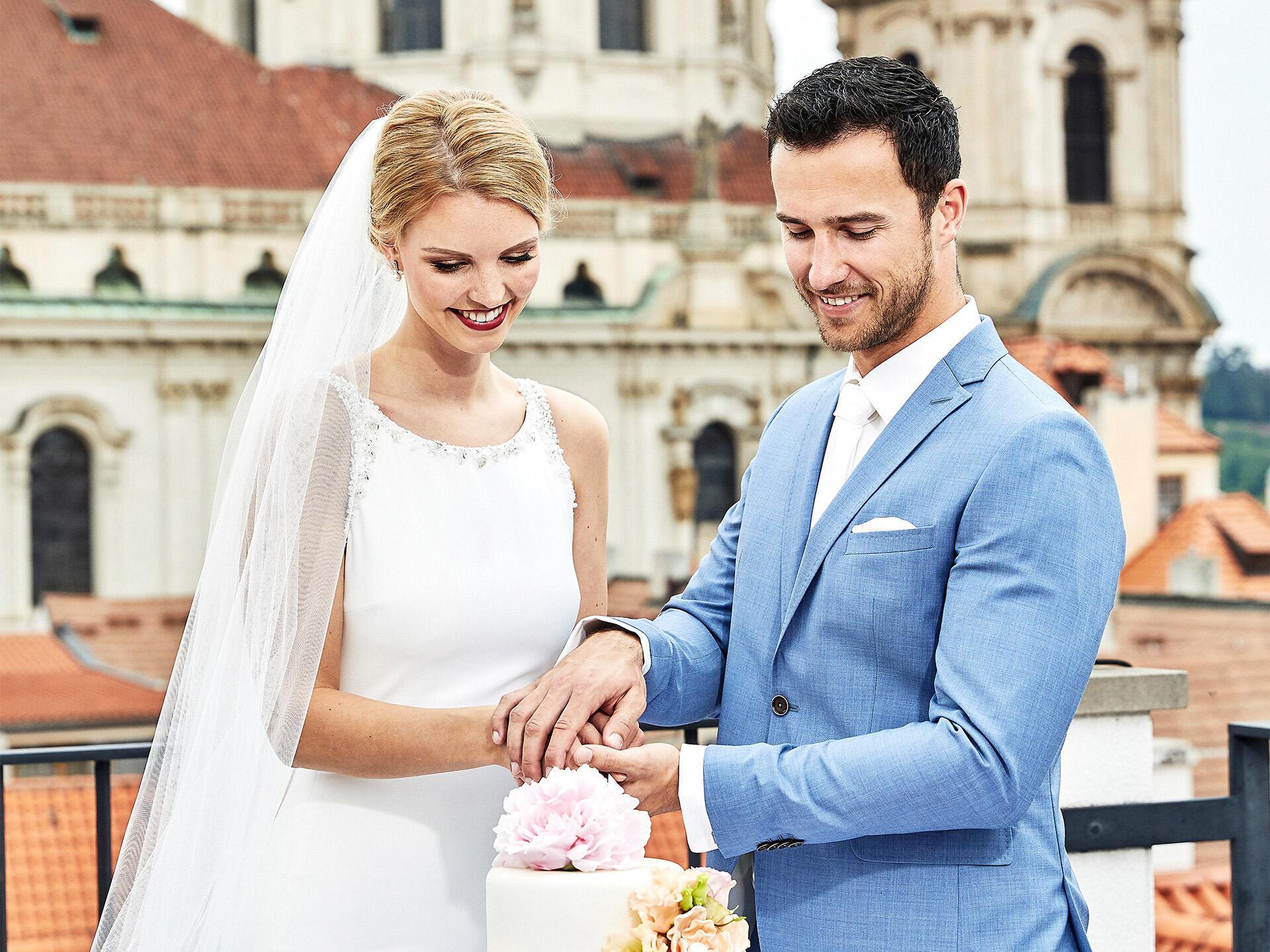 Wedding cake at Aria Hotel in Prague