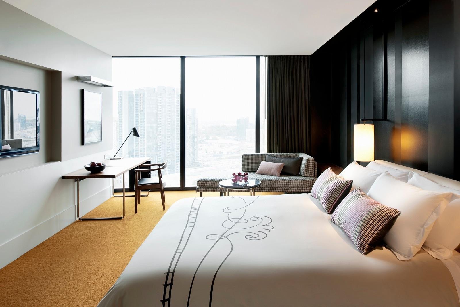 <p>Rooms</p>