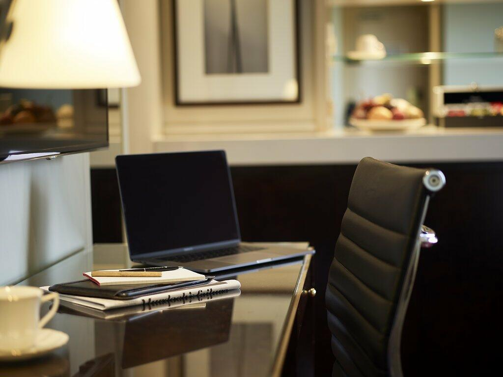 comfortable work space at Pullman Melbourne on the park