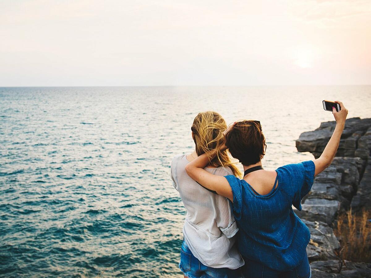 Girls getting selfy at Pullman Bunker Bay Resort