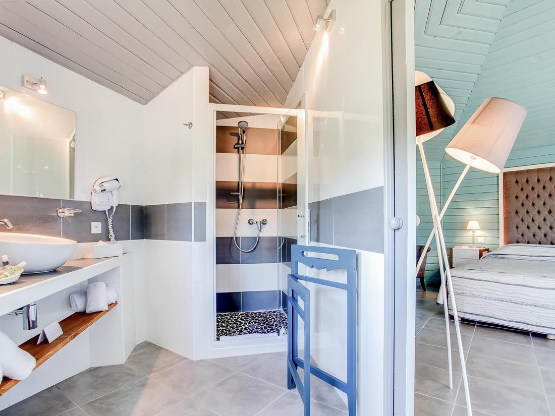 Junior Suite Bathroom at Roc e Fiori Hotel