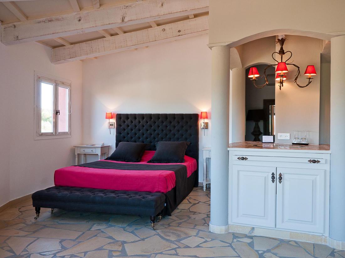 Suite Bedroom at Roc e Fiori Hotel