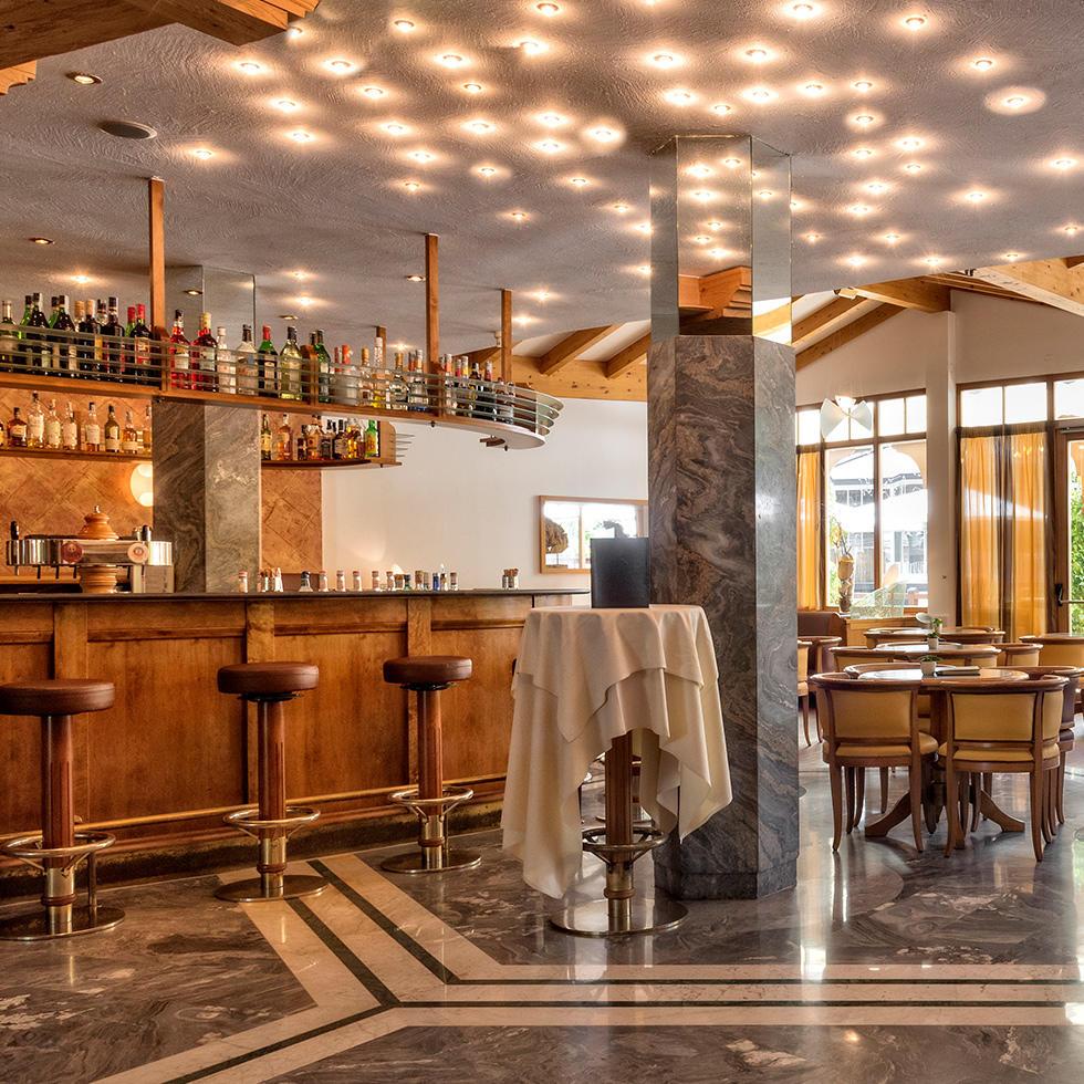 Bar at Falkensteiner Family Hotel Lido Ehrenburgerhof