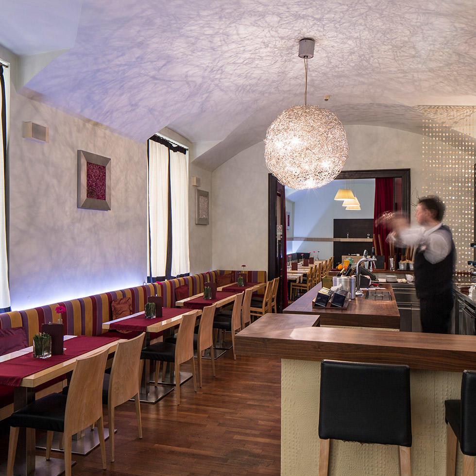 falkensteiner hotel maria prag bar