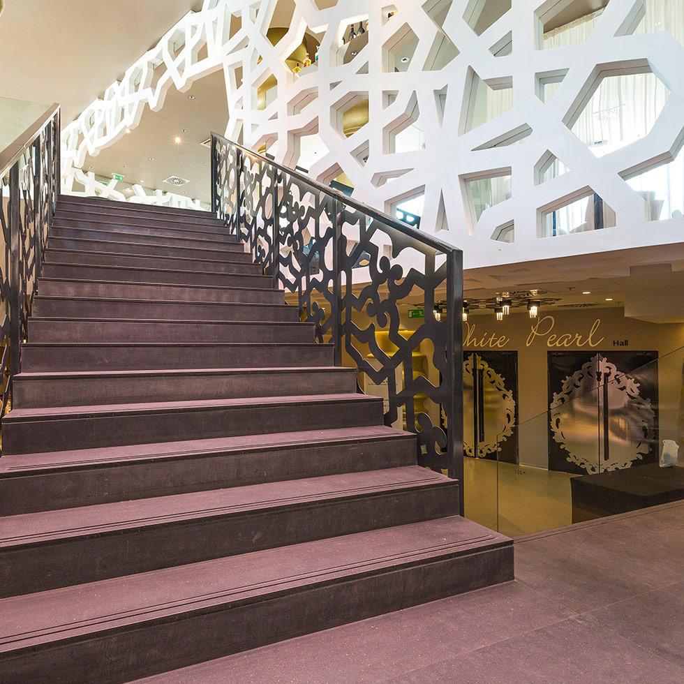 falkensteiner-hotel-belgrade-lobby-8