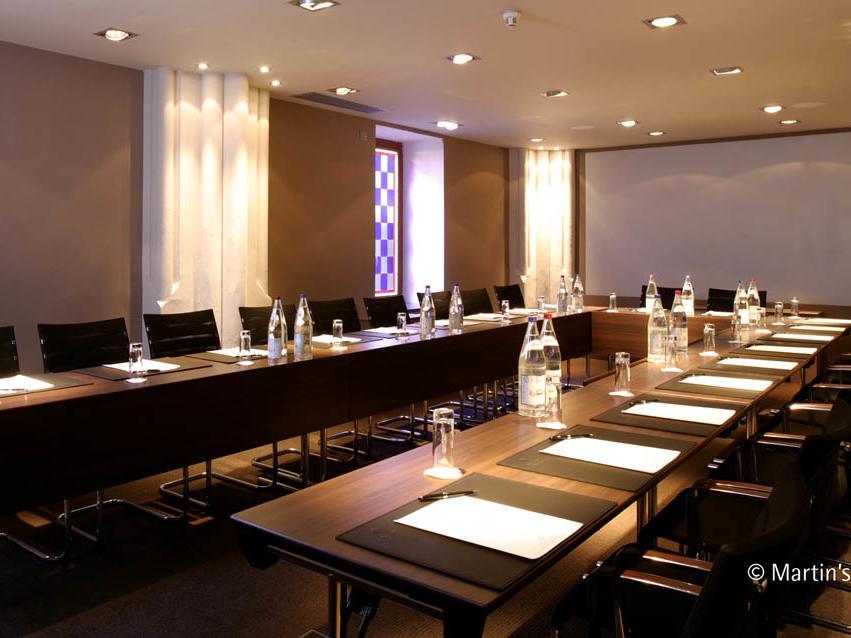 Martin's Patershof meeting room U Shape