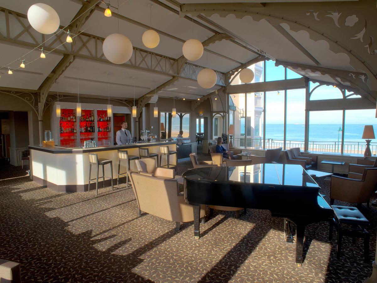 Bar at Grand Hotel des Thermes