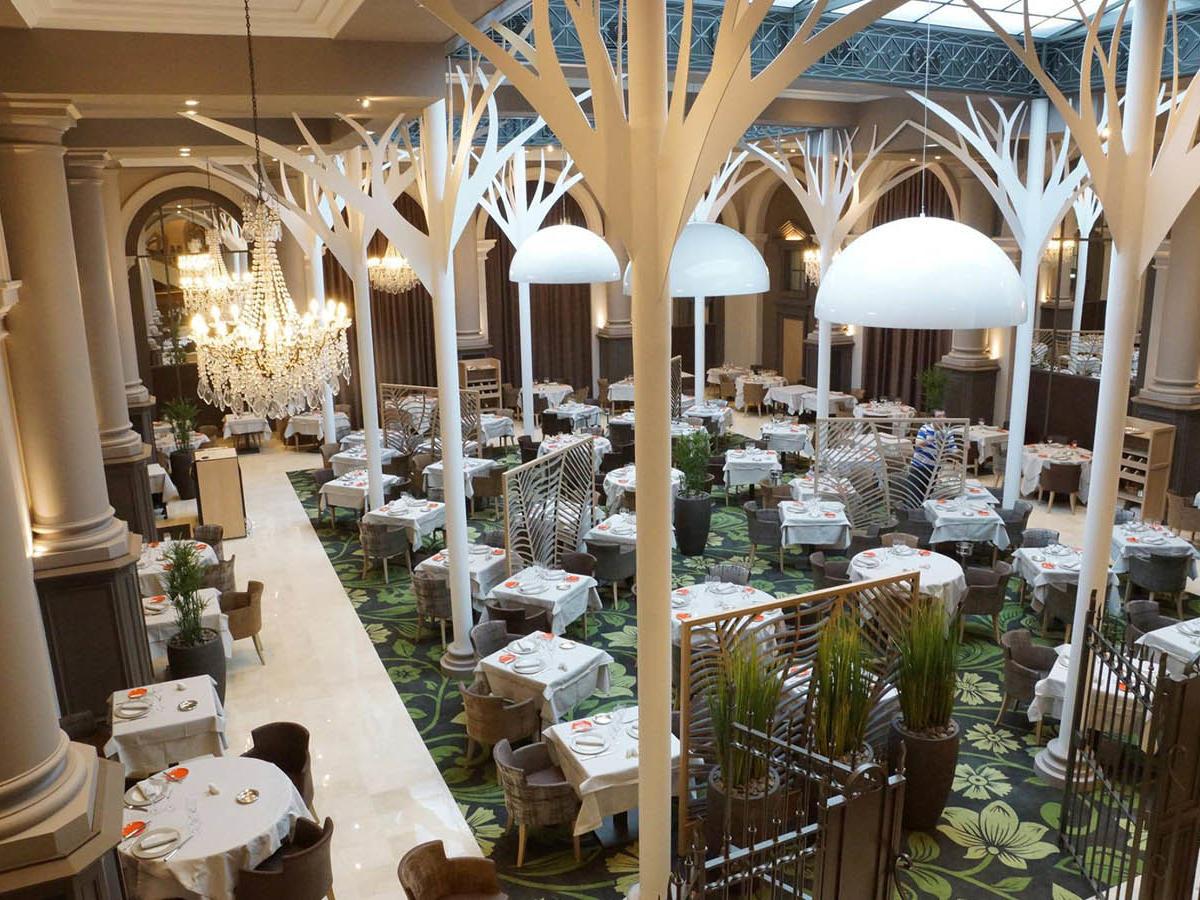 La Verrière restaurant diététique Chairs at Grand Hotel des Thermes