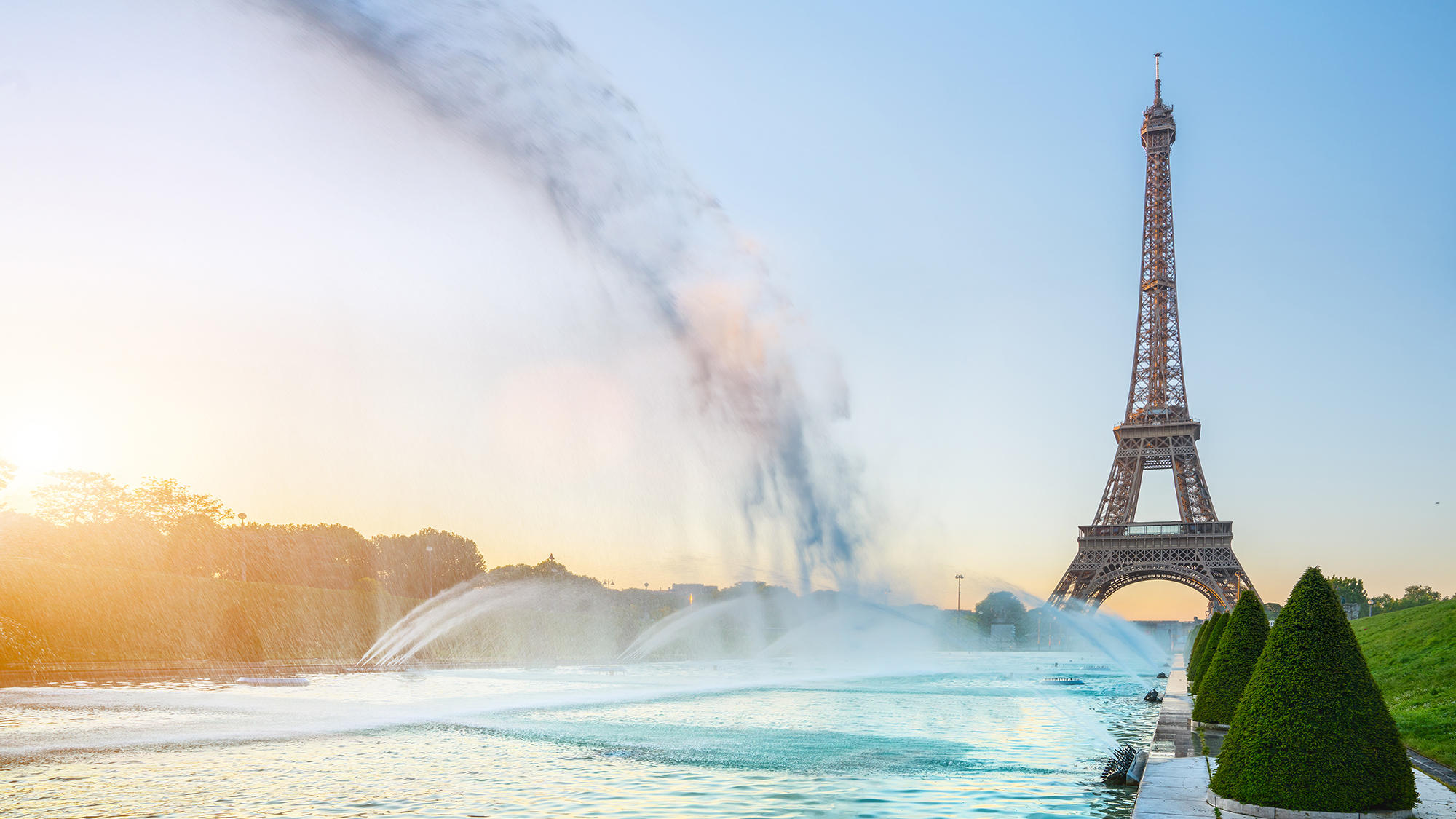 Eiffel tower and water