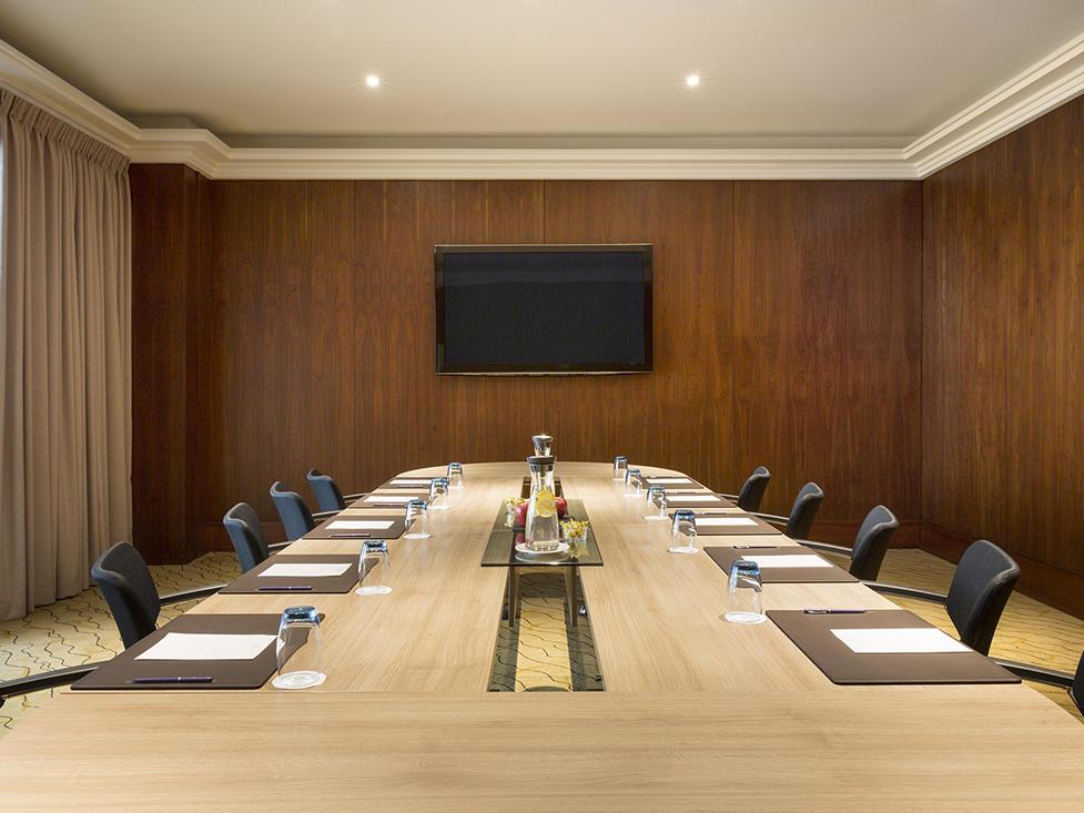 Meeting Room Gobelin at Warwick Geneva