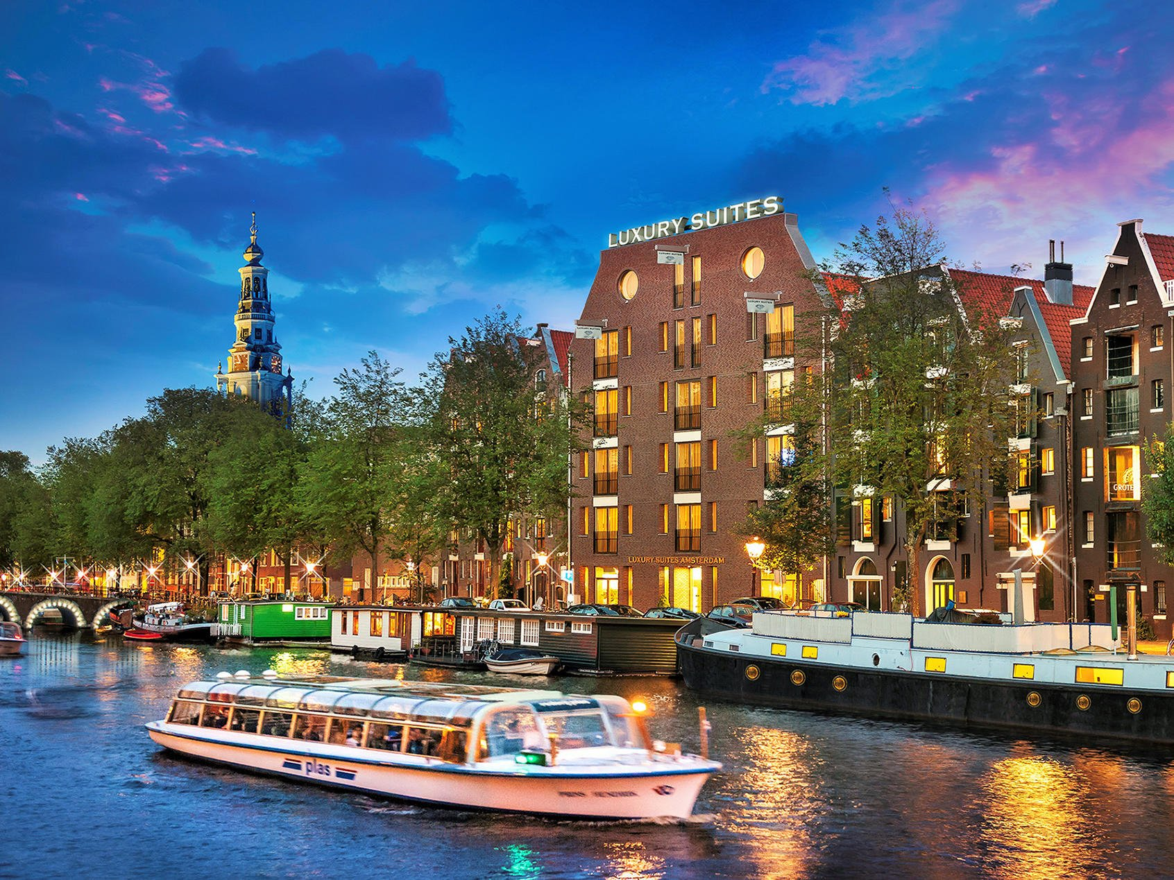 Luxury Suites Amsterdam setting