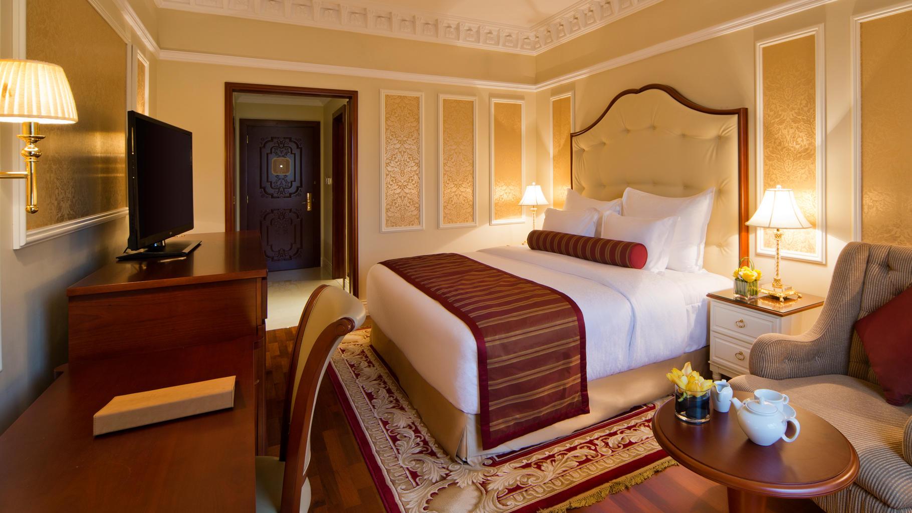 Warwick Doha Superior room