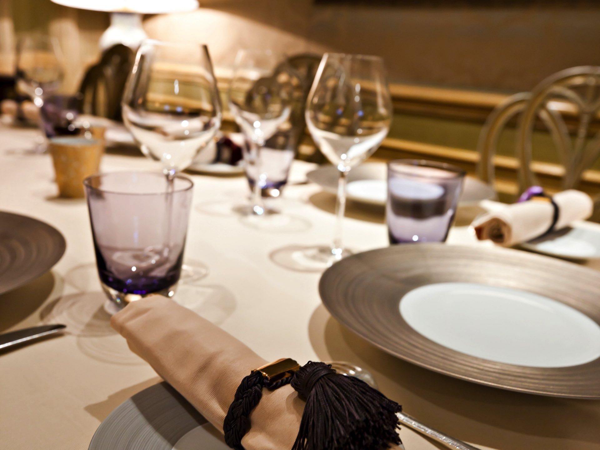 Restaurant Le Celadon tableware at Hôtel Westminster