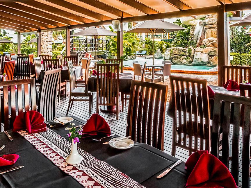 Tokatoka Resort Kanavata tables