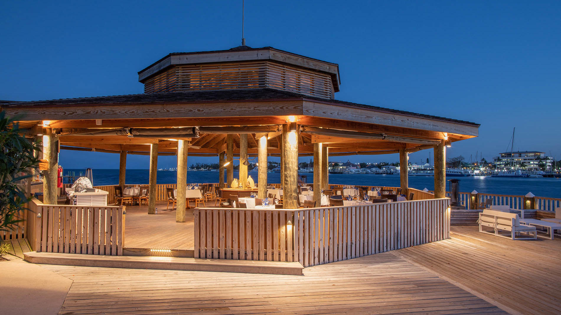 Edgewater Grill at Warwick Paradise Island