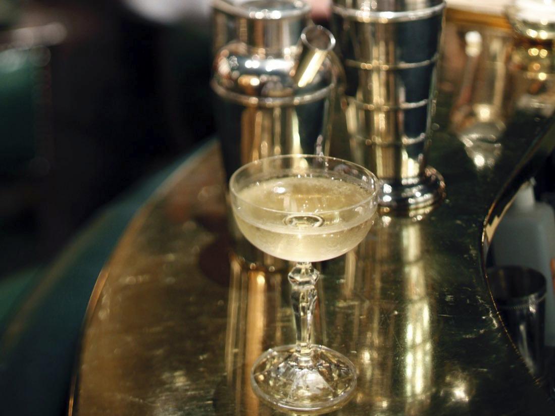 Duke's Bar Cocktail at Bar Hôtel Westminster