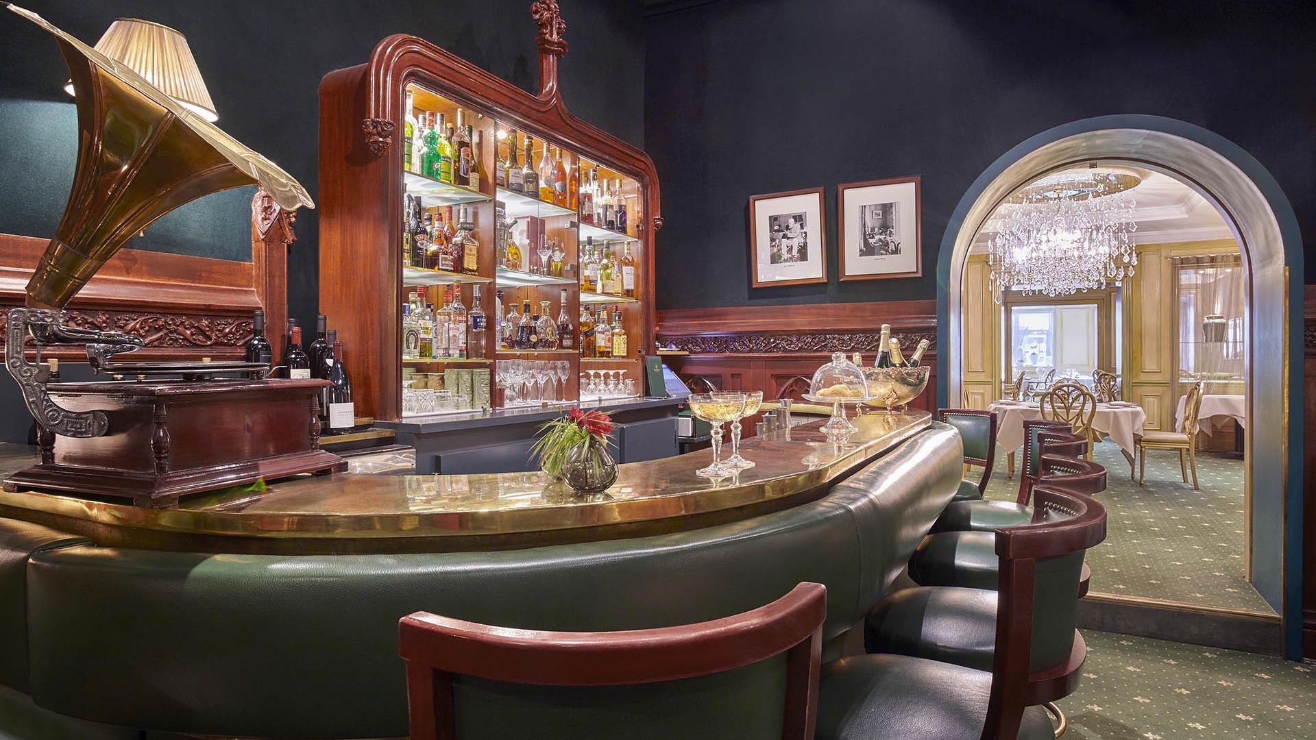 Bar Top at Duke's Bar Hôtel Westminster