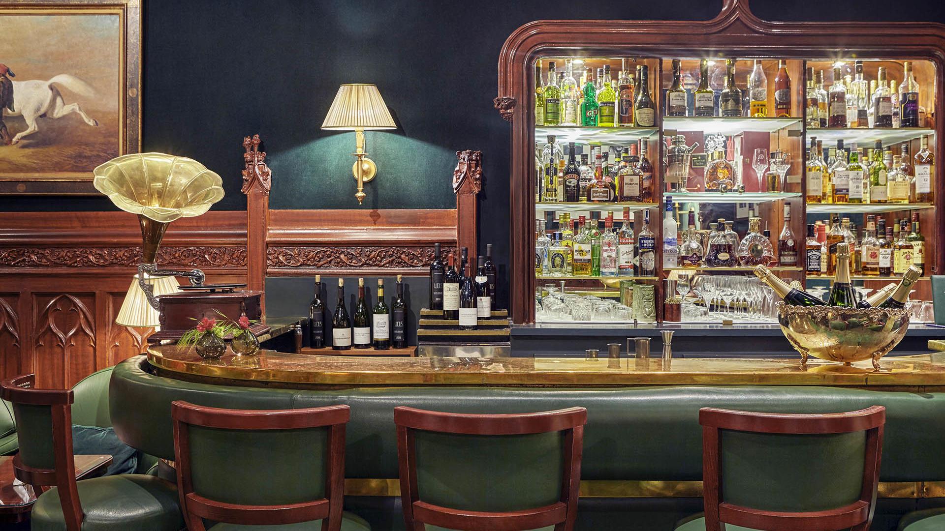 Duke's Bar at Hôtel Westminster
