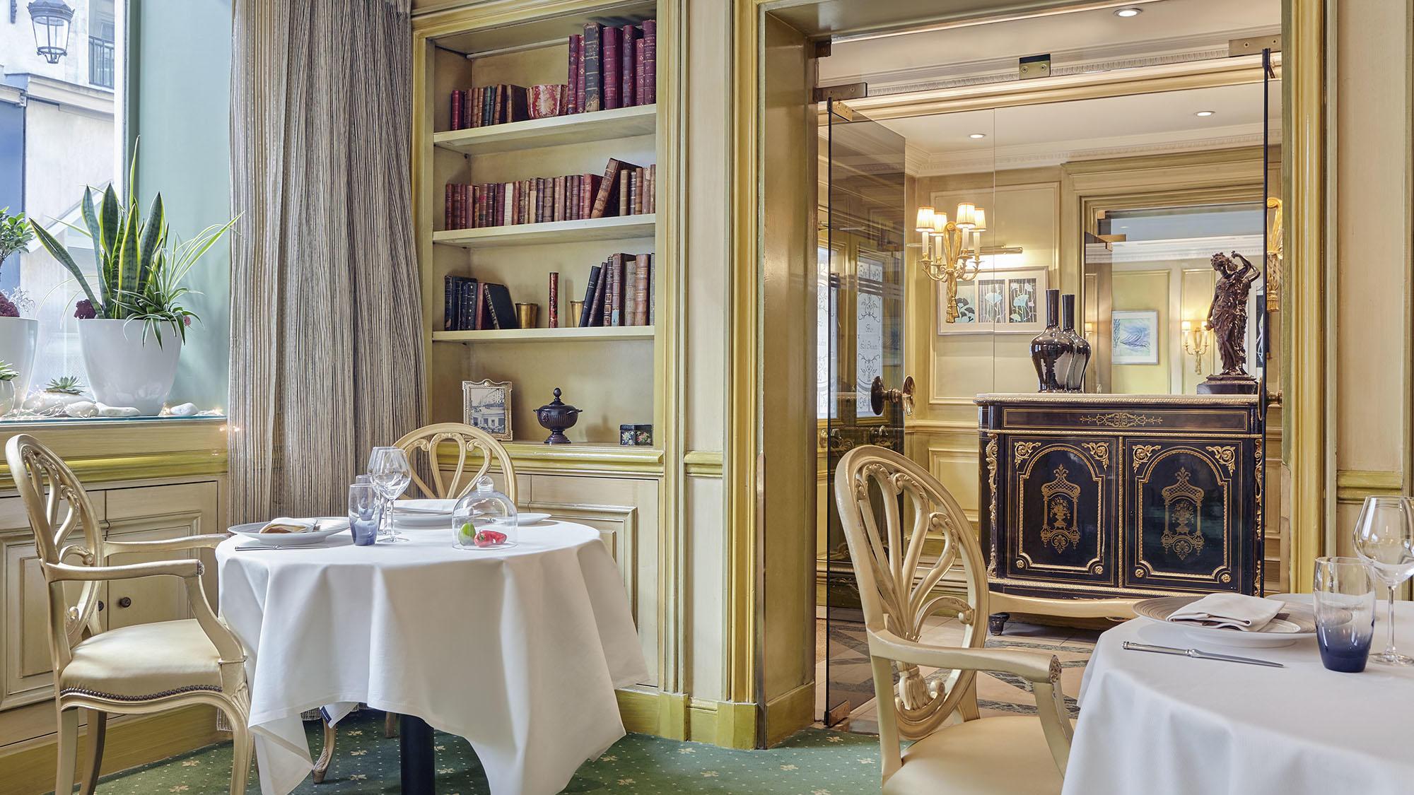 Le Celadon Restaurant Back Area at Hôtel Westminster