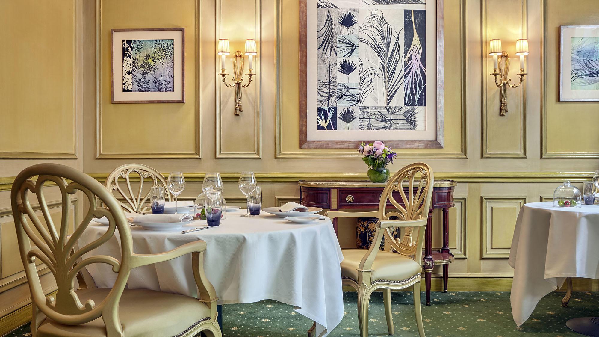 Le Celadon Restaurant Table for 3 at Hôtel Westminster