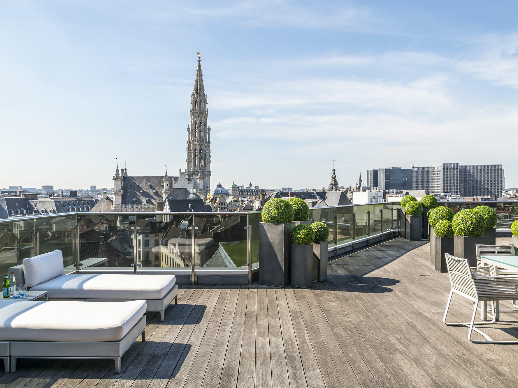 Suite Grand Place Terrace with transats at Brussels Warwick Hotels